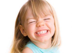 دندان قروچه عبارت است از ساييدن دندان ها يا فشردن محكم فكها بهم